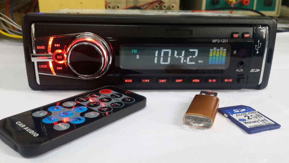Detachable panel car mp3 music player with old hindi song with used fm broadcast transmitter