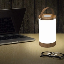 2018 new product eye protection table lamp Silicon handle convenient for carry-on Emergency lighting/Power bank