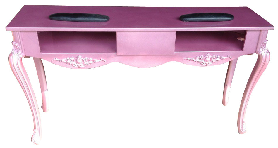 Nail art tafel cuti clue les get in the cue for Beauty table for nails