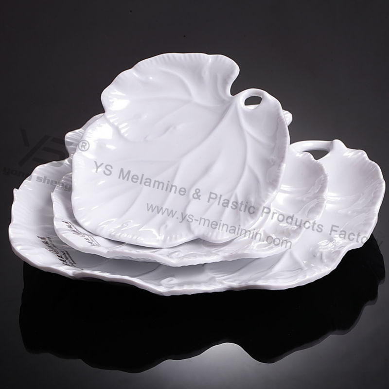 popular plastic products white leaf shaped plates