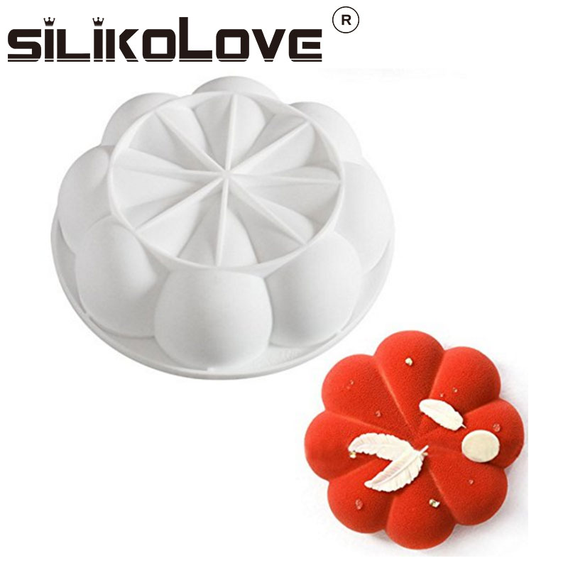 Amazon Hot Sell Non Stick 8 Petals Shaped Diy Kitchen Baking Tools Silicone Mousse Cake Mold For Halloween Christmas