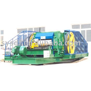 roll crusher for crushing clay, shale in brick production line