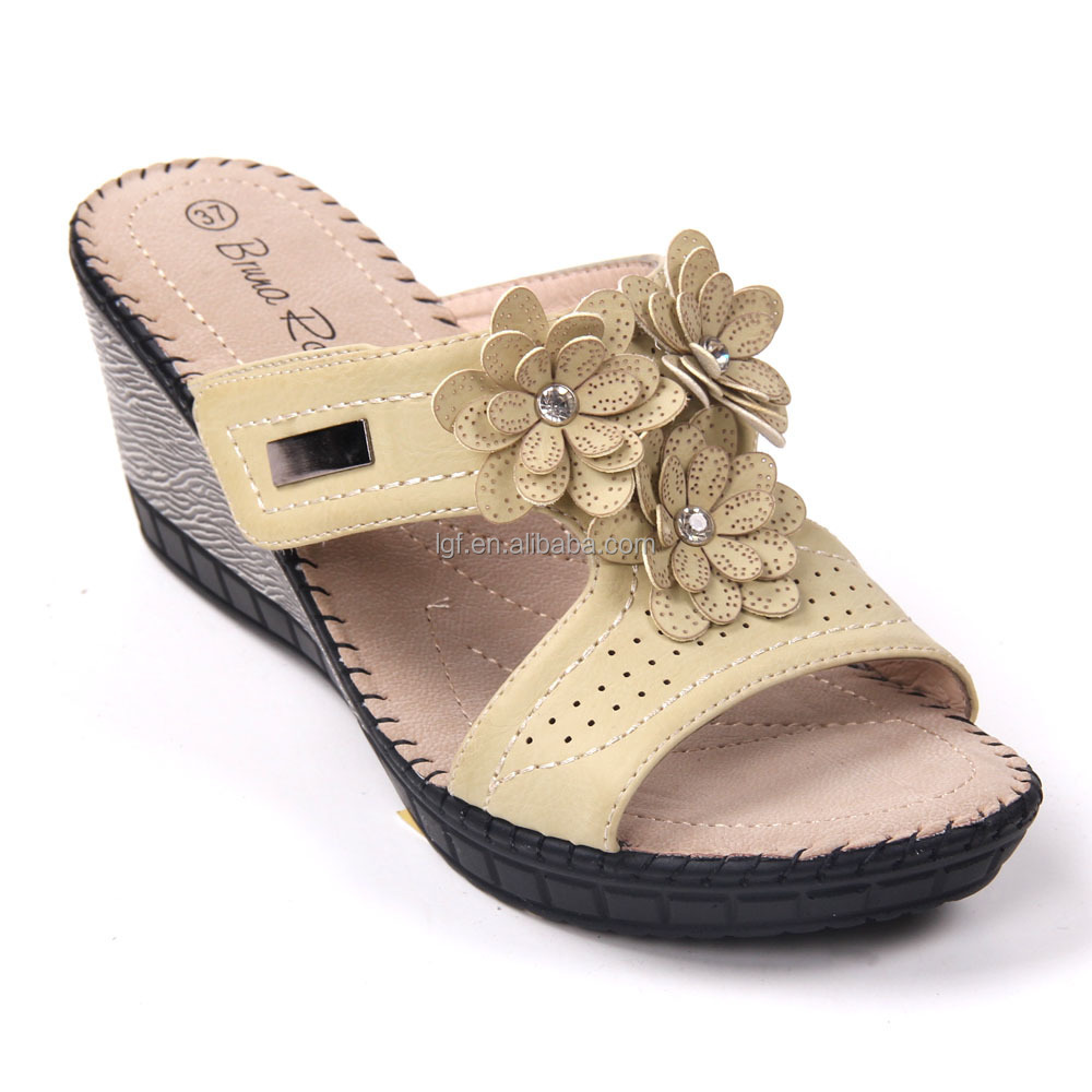 Lastest New Collection Of Summer Shoes And Flat Fancy Sandals For Girls