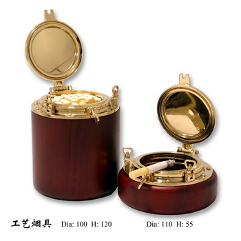 Porthole Cigarette Case and Ashtray