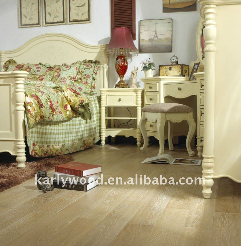 American White Oak Stained Engineered Smooth Wire-Brushed Wood Flooring