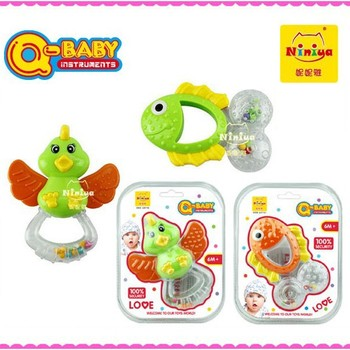 Q-BABY wholesale mini plastic funny baby rattle squeaky toys