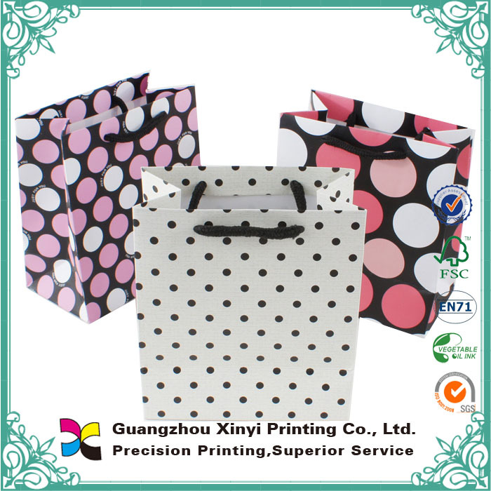 2015 low price top quality laminated cute small recyclable colourful paper carrier bags