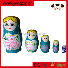 wood russian matryoshka nesting dolls
