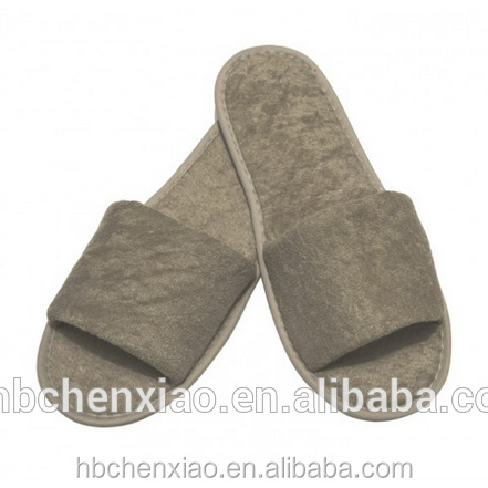 Custom washable disposable hotel slippers,with embroideried customized logo