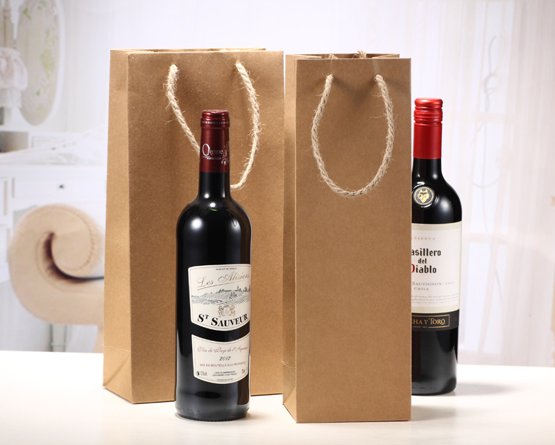 High quality kraft paper wine bag with handle kraft gift paper bag packaging