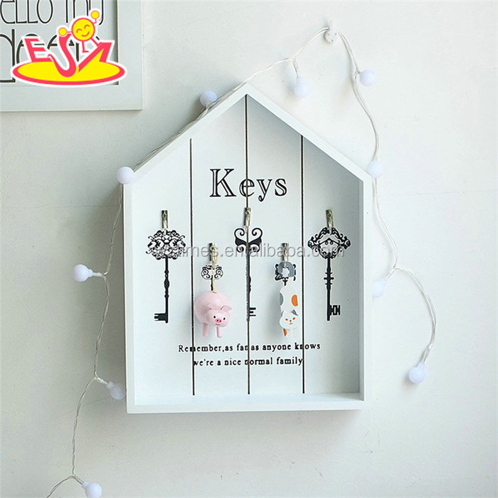 Wholesale houseware white house shape wooden key holder for wall with best price W08C261