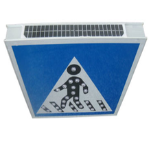 Solar Outdoor Roadway Warning Signs 65 LED Traffic LED Solar FlashingLight