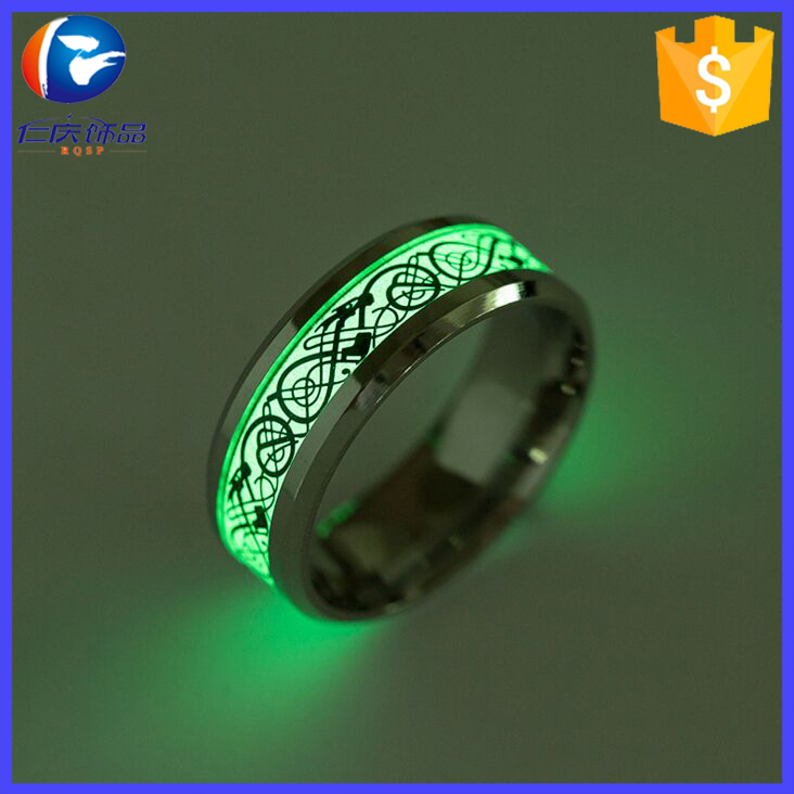European Hot Style Titanium Steel Accessories Wholesale Fashion Night Light Dragon Ring Dragon Tattoo Ring