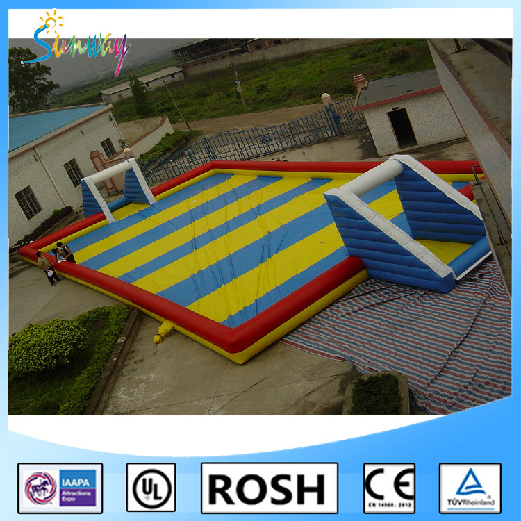 2016 OEM/ODM HOT Inflatable Soap Football/Soccer Field