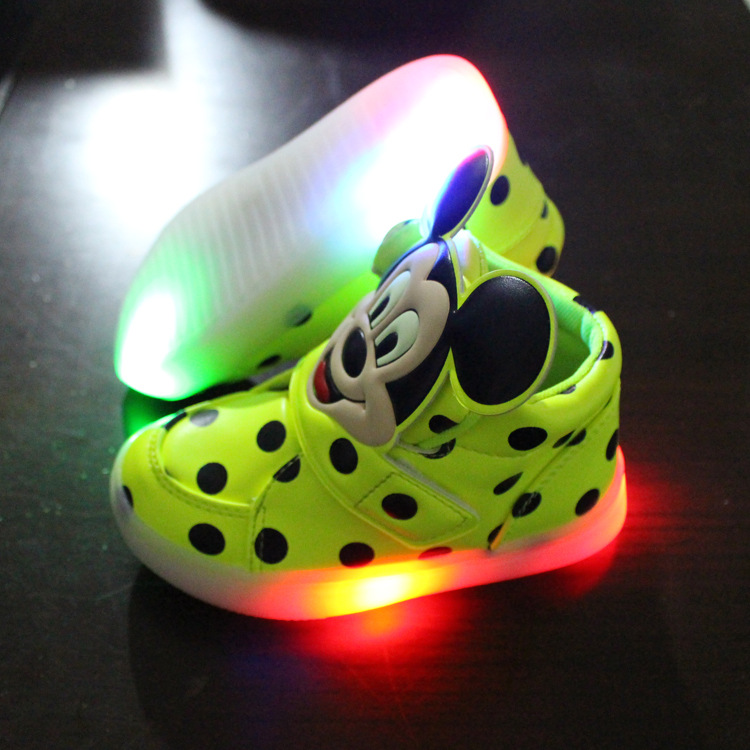 2016 New led shoes cute LED lighting children shoes hot sales Lovely kids sneakers high quality cool boy girls boots