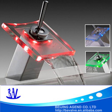 RGB Battery-Powered LED freestanding basin glass water faucet