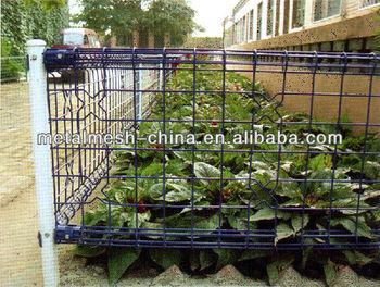 Garden fence cheap sheet metal fence panels garden for Garden enclosures screens fences