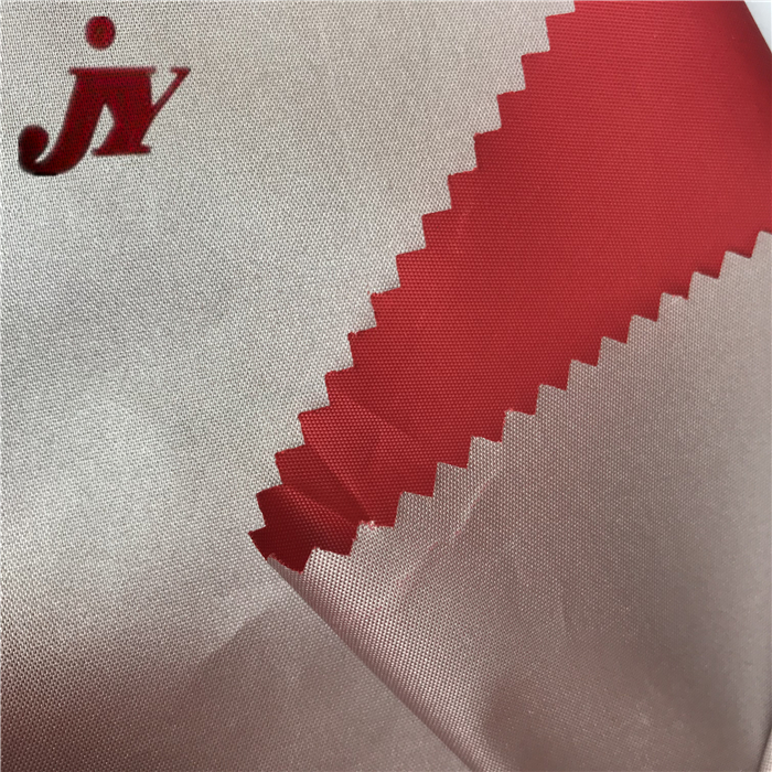 China Excellent Factory 190T Polyester Taffeta Waterproof Silver Coated Polyester Fabric