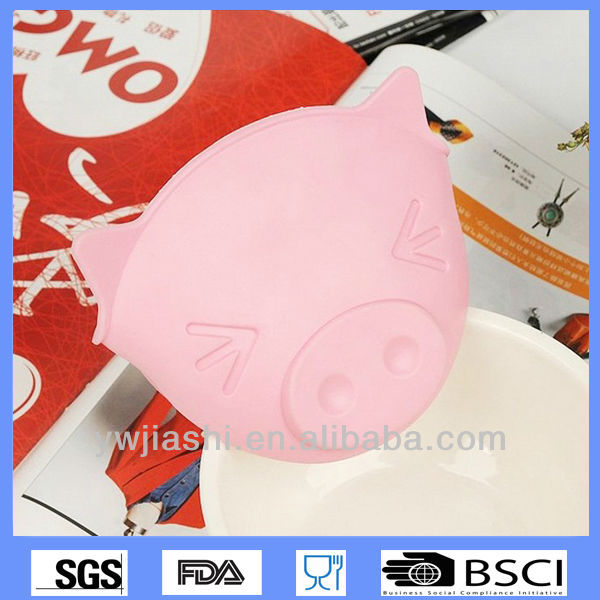 Nice silicone pig oven mitt,high heat resist silicone oven gloves