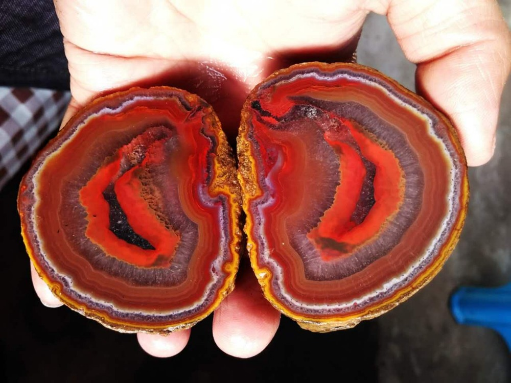 FX-A0058 Rough (Unpolished) Agate Fighting Blood Agate from China