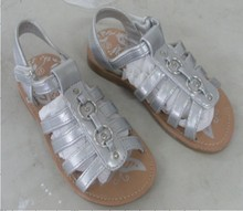 Stock silvery flat cheapest PU kids sandals china 2013