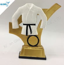China New Design Karate Trophies for Sale