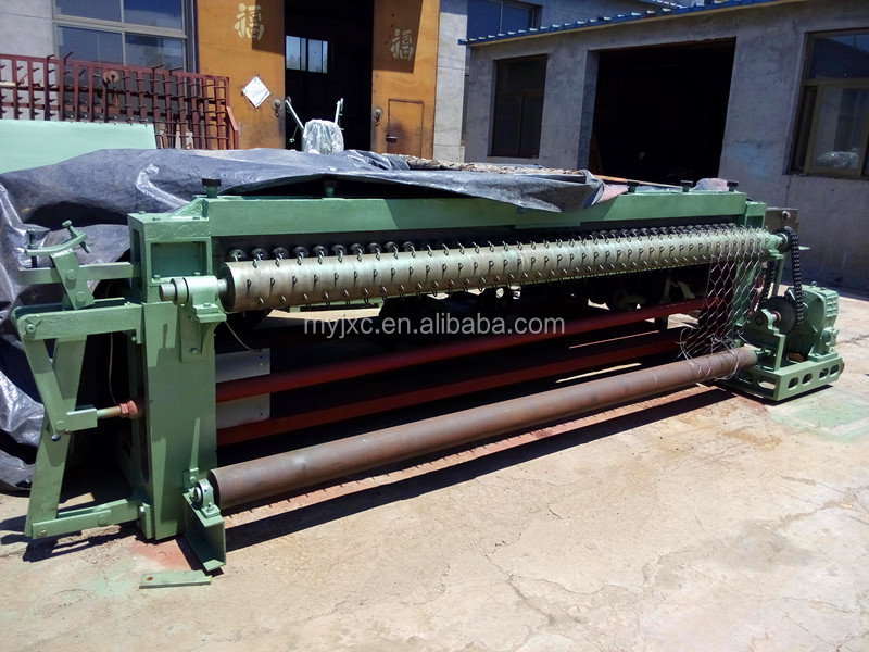 Horizontal heavy-duty hexagonal wire mesh machine
