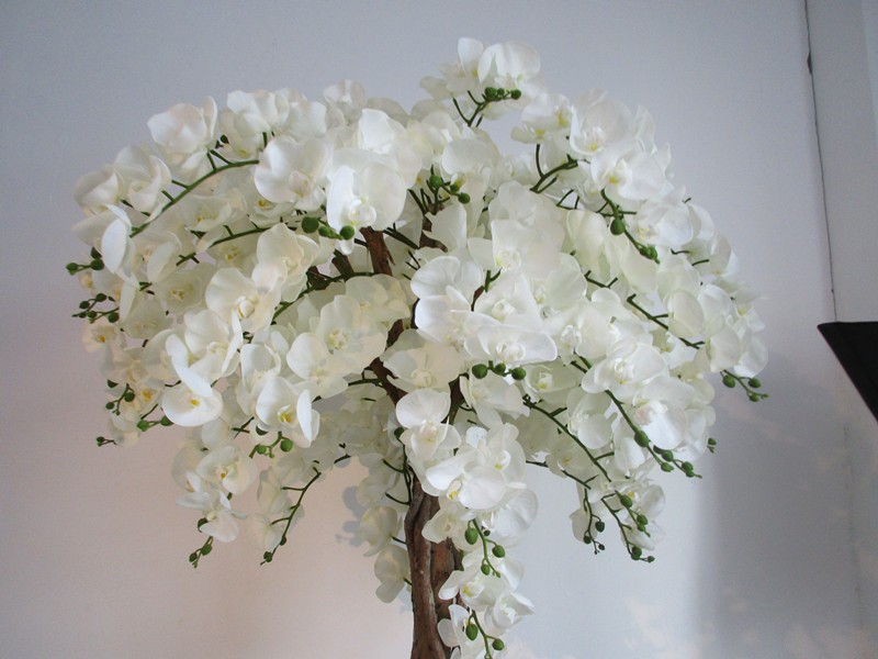 White artificial orchid for wedding table tree