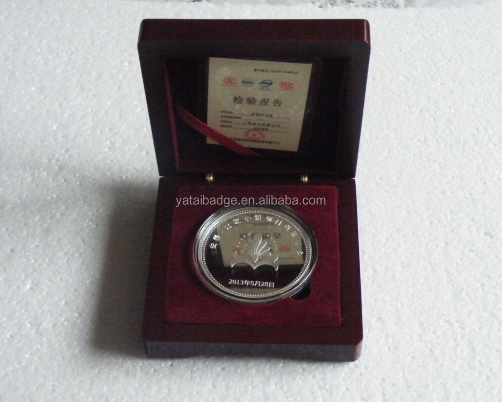 silver coin with wooden box 3d coin