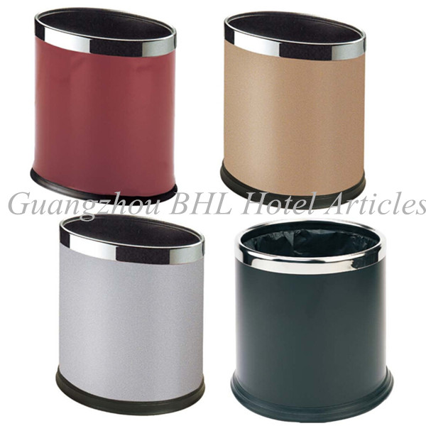 Colorful camera contenitori per il riciclaggio casa - Contenitori rifiuti differenziati per casa ...