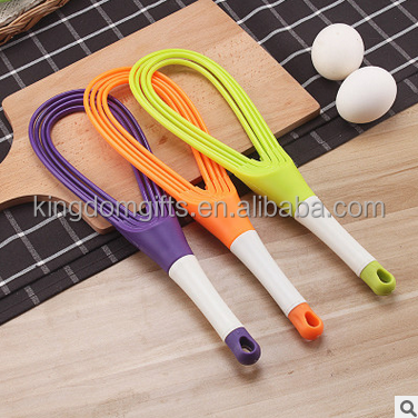 Manual rotation egg beaters,silicone food garde egg beater for cooking