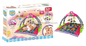 Hot baby floor play mat with small toys for early education