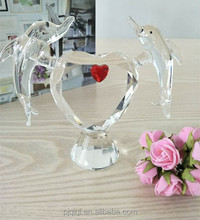 Elegant Clear Couple Crystal Dolphin with Heart for Wedding Favors Gift and Souvenir
