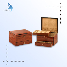 chinese style handmade engraved wooden cosmetic case