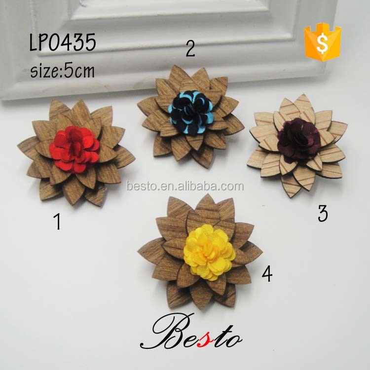 2016 China Manufacturer men suits custom wooden flower lapel pins