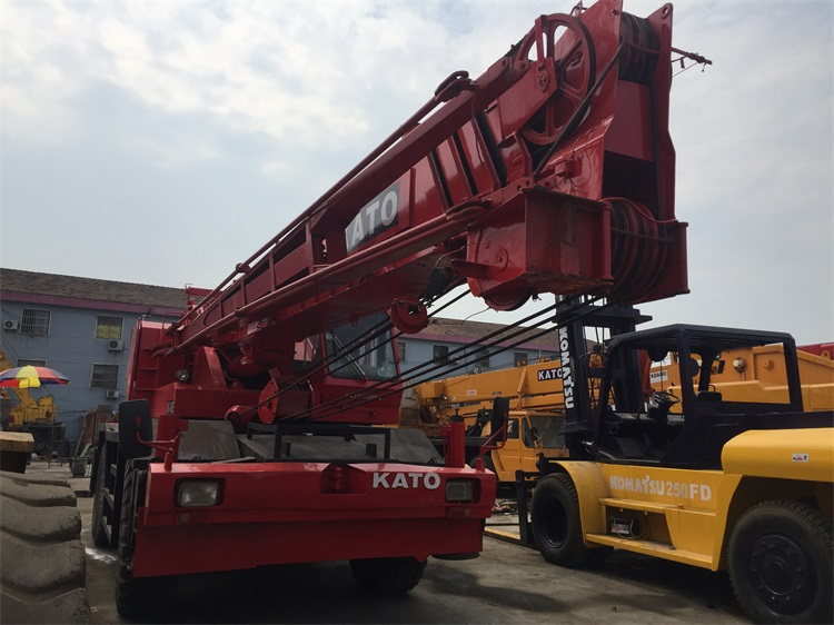 Max Safe Working Load 50 Ton KATO Used Rough Terrain Crane KR500 , Original From Japan