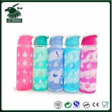 Clear Pyrex glass material drinking bottle with assorted silicone sleeve