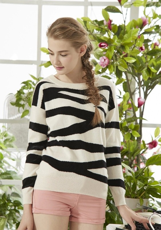 fashionable style zebra striped cashmere yarn pullover 12g knitwear design for lady