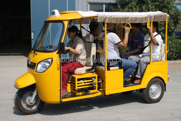 CNG Tricycle Car /Motor Taxi/3 Wheel Car