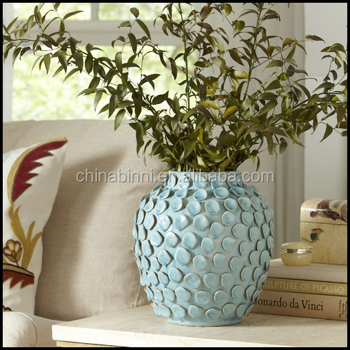 Europe Wholesale High Quality 3D Modern Ceramic Vase With Blue Flower Vase With Holes Home Decor Wholesale Small MOQ