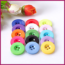 Fashion Colorful Round Shape Plastic 4 holes Buttons Free Inspection for kids coat