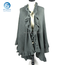 2017 Wholesale fashion winter knitted poncho