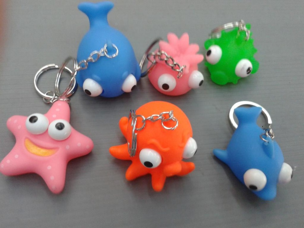 2016 Hot Advertising Animal Shape Eyes Pop Out Keychain For Kids