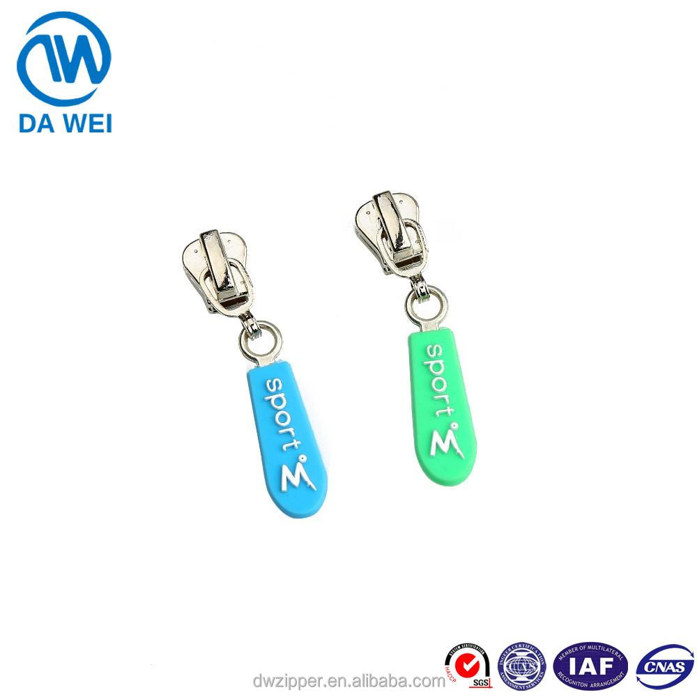DAWEI brand Newest design hot sale cheap Rubber handle metal zipper slider for Garments