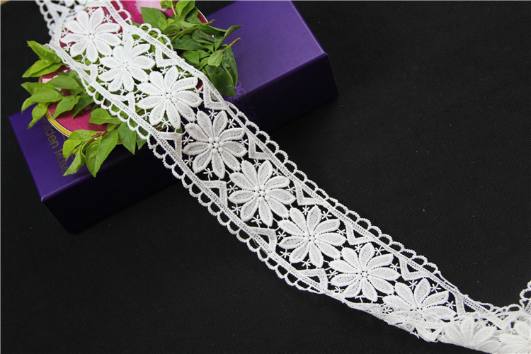 chemical border indian lace trim