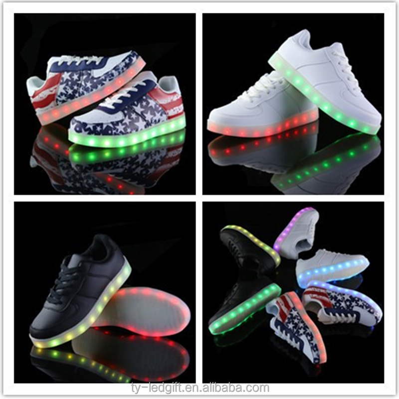 Wholesale Ms students sports shoes LED light shoes