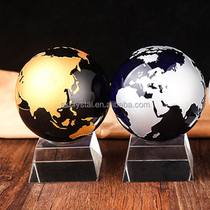 Pujiang Factory wholesale desktop blue crystal glass ball globe 80MM with gold silver world map