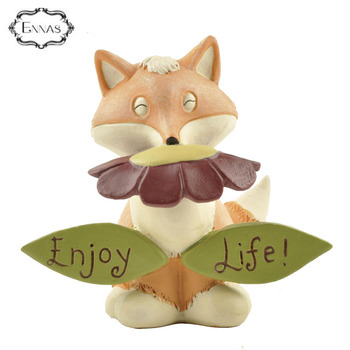 Resin Fox Figurine Polyresin Animal Statue in Sculptures