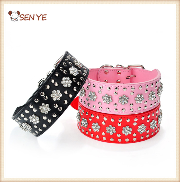 Wholesale New Arrival Fashionable Adjustable Crystal Plum Decoration Leather Dog Collar/Pet Collar