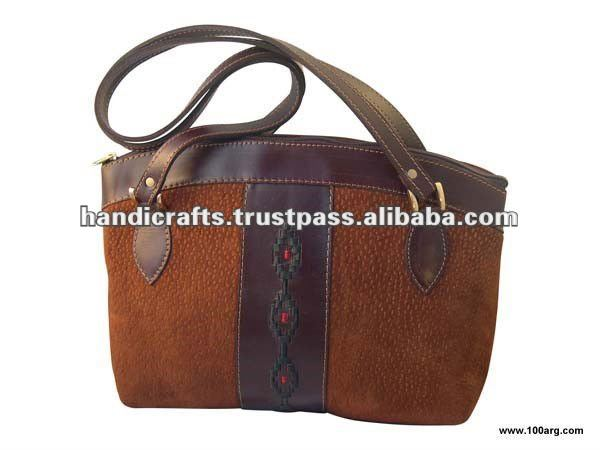 HANDBAG IN CAPYBARA, LEATHER AND PAMPA DESIGN 'BOLSO ABRIL'